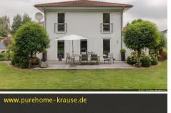 verkauft modernes Haus im Grünen